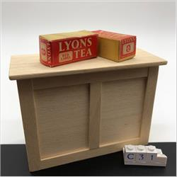 Miniatures - Cartons - Lions Red Label Tea (C31) - http://www.hilarypagetoys.com