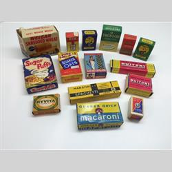 Miniatures - Group Photographs - The Suzanne Biallot-Siebert Collection - http://www.hilarypagetoys.com